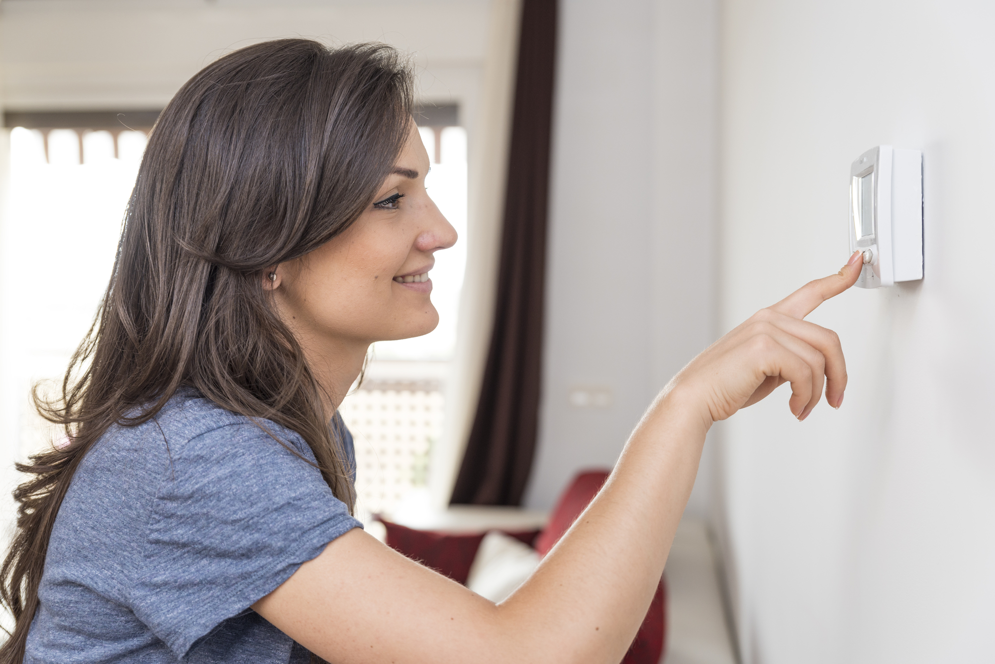 Lower High Heating Bills with a Programmable Thermostat